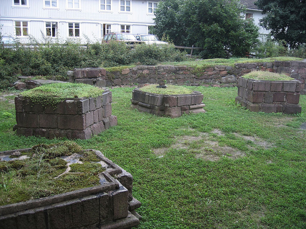 FIG#05    Ruins of the church of St. Olav's Abbey, Tønsberg   , where the foundations of Norway's largest circular church can still be seen on streets 17 and 19.