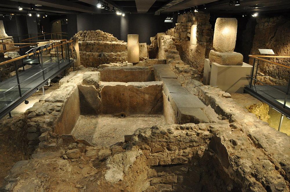 #03. Remains of an ancient Roman salt fish factory and garum factory in the archaeological underground ruins at  Museu d'Història de la Ciutat de   Barcelona  (Plaça del Rei).