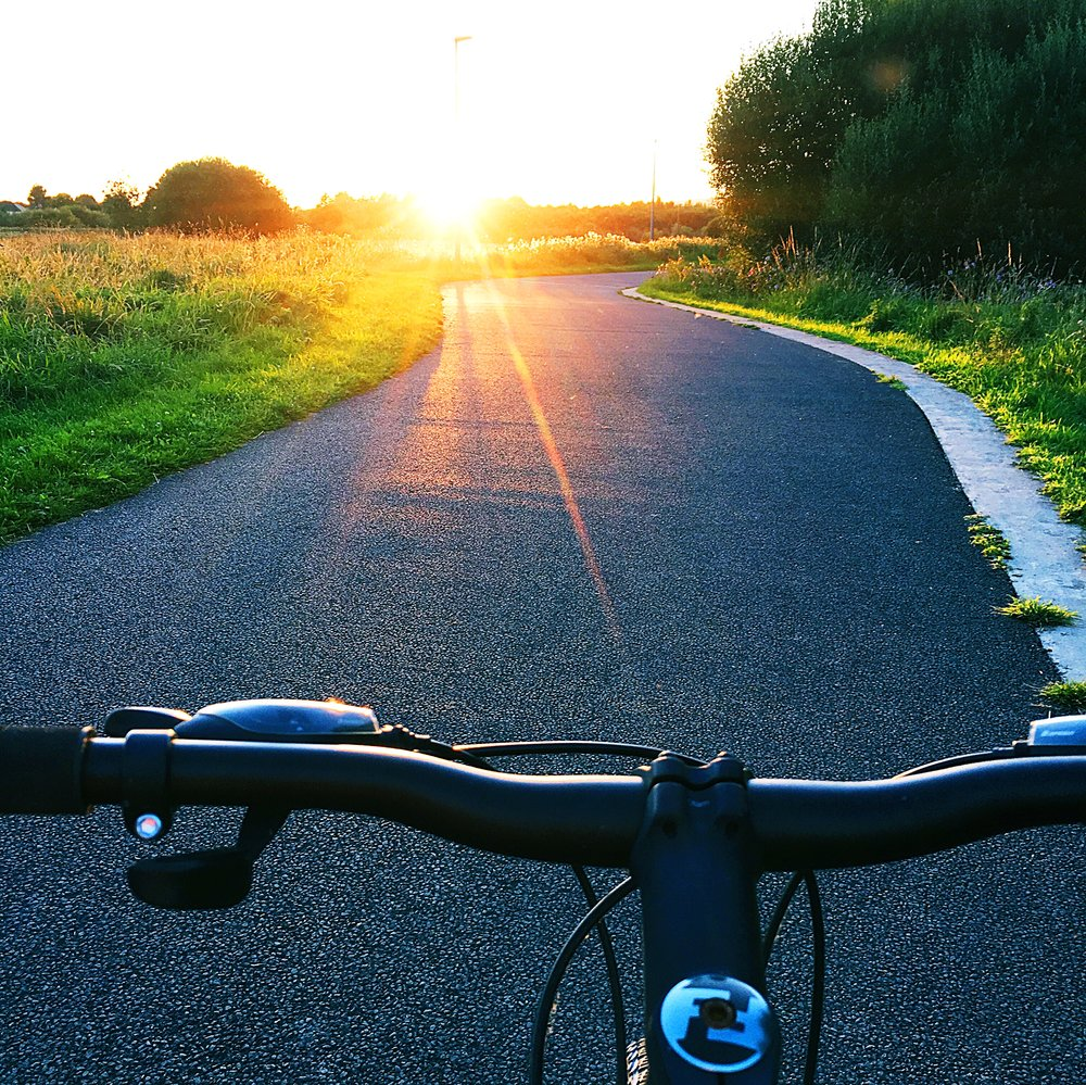 Cycling: Finding distraction from the ringing in my ear when I am on my bike