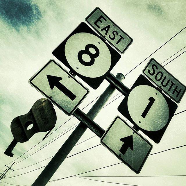 Jen Crossroads sign 1.jpg
