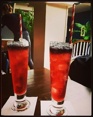 A lovely pair of Very Berry cocktails  Photo credit to @paigeehyndman  #vodka #bentleysbar #241 #cocktails #cheltenham