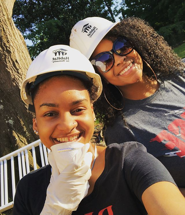 #Community.  Some of our ladies putting in work on Friday! It's been a great day of service with the @atlantafalcons and @atlantahabitat! Thank you for having us!  #SistasinSports