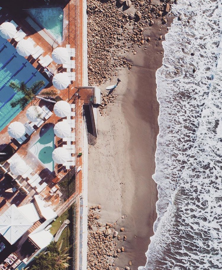 Image :: @poseawkwardly - Aerial Views of Butterfly Beach & Coral Casino