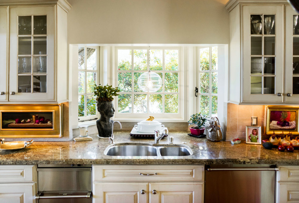 2885_East_Hidden_Valley_Lane_Kitchen3.jpg