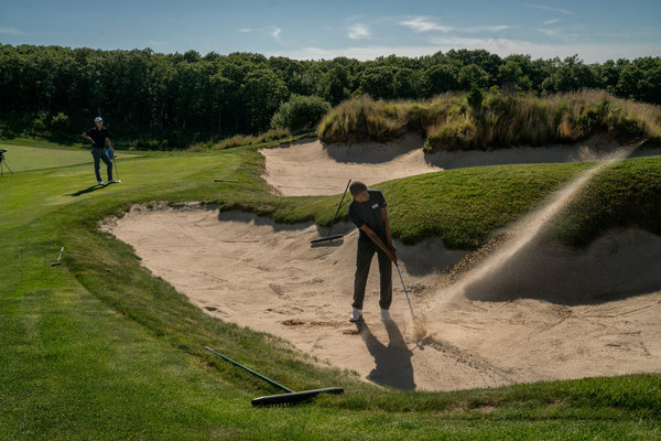 Tariq Washington attempts to leave the sand trap at the Bridge.  Image:  JOHNNY MILANO FOR THE NEW YORK TIMES