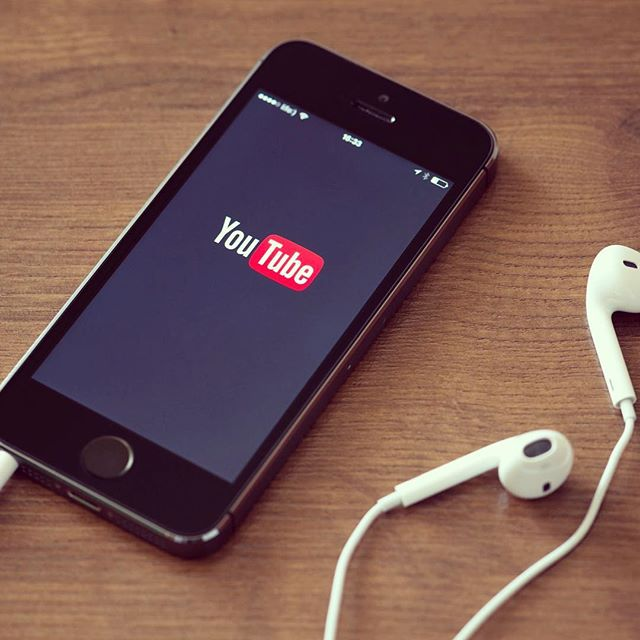 """YouTube is developing a new feature called """"Backstage"""" to break into the world of social networking. ------------------------------------------- @youtube #smm #video #socialnetwork"""