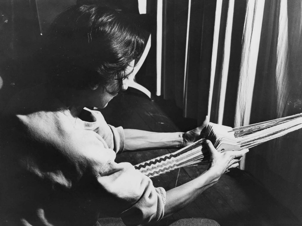 anni_albers_card_weaving_at_black_mountain_college.jpg