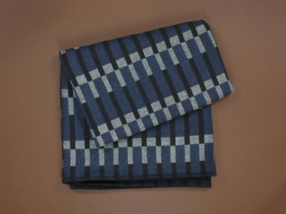 Eleanor_Pritchard_Dovetail_Granite_blanket_for_Tate_photo_Elliott_Denny_crop.jpg