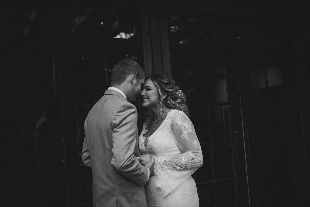 sarah-danielle-photography-intimate-portland-wedding-26.jpg