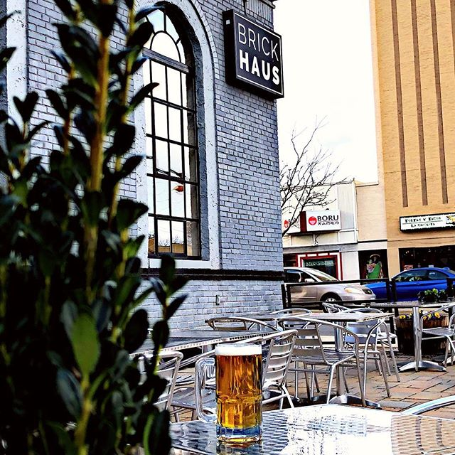 At last....the weather is cooperating. Time to enjoy the patio... #mightymighty #allthebeers #happyhour #arlingtonva