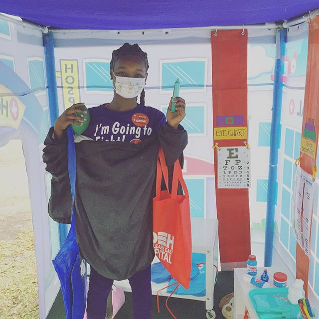 Having fun in the hospital tent at the Kidney Run this weekend! #tulanelakesidehospital #tulanehospital #tulanekidneyfunrun #popuppartytown #nolaliving #nolalife #nolakids