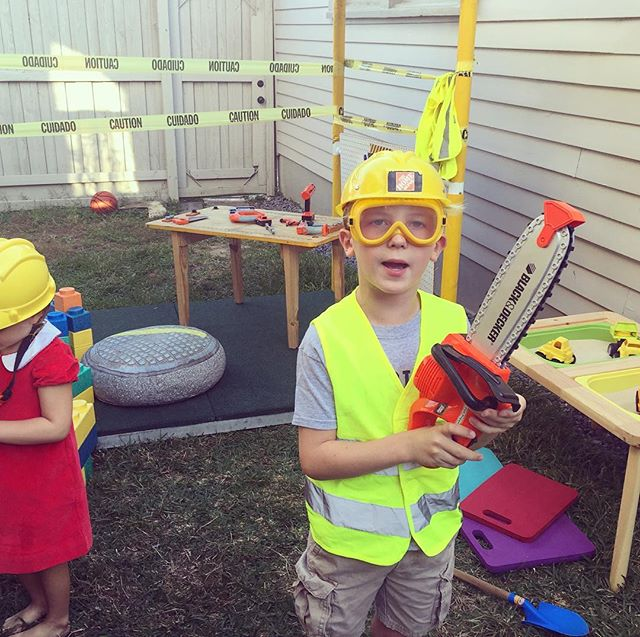 Hard at work at the Construction Site Tent this past weekend at a party! #popuppartytown #nolakids #nolaliving #kidsbirthdayparty #kidstent #nolafamily @annirwin