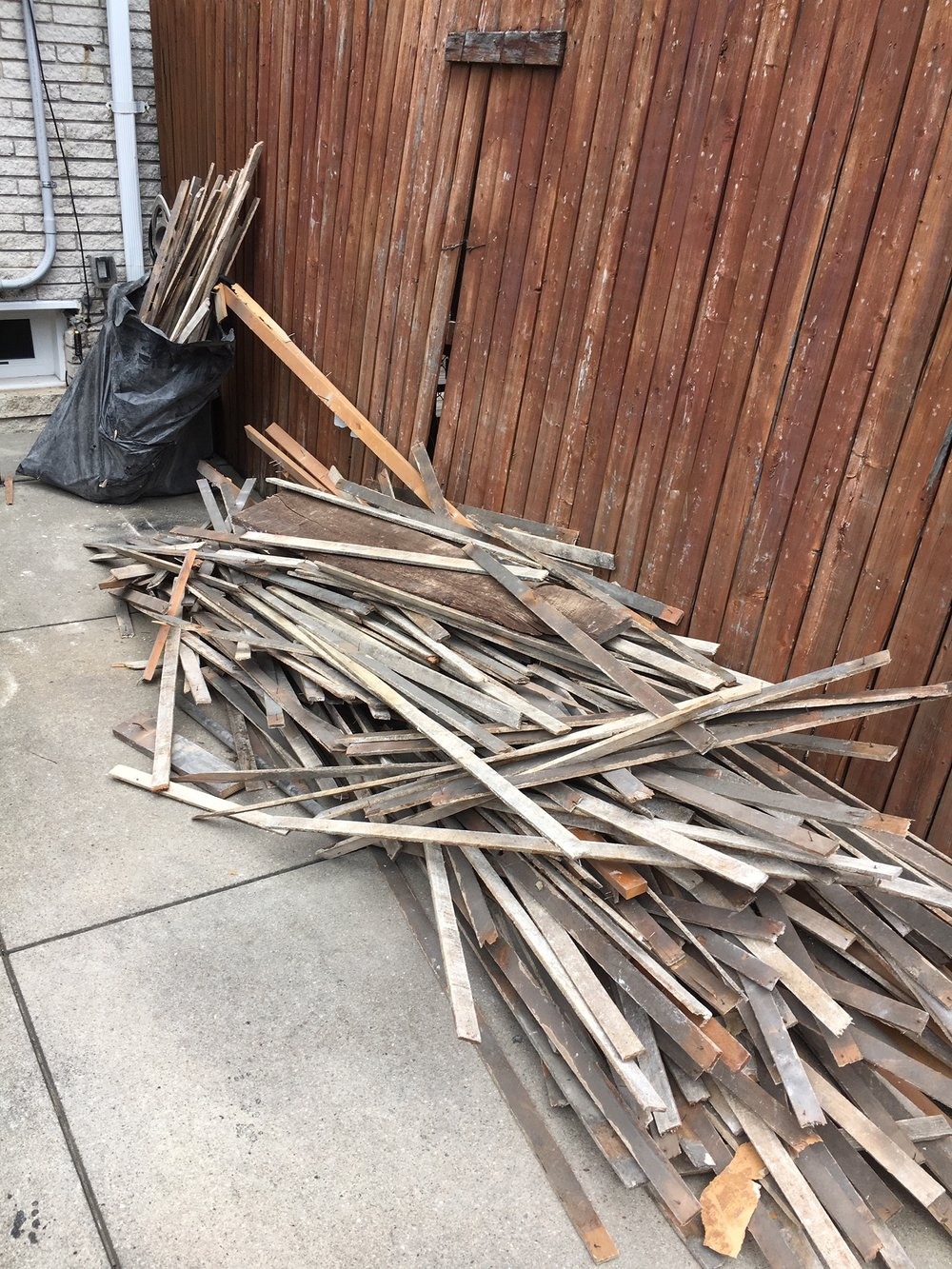 Approx 1/4 of the wood slats we removed.