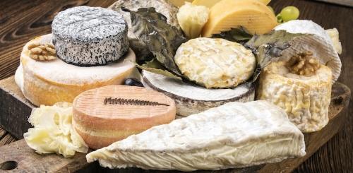 shutterstock-stinky-cheese-plate-750x368.jpg