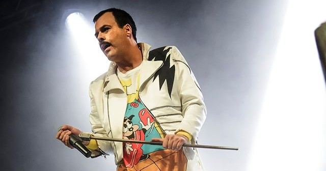Supreme-Queen-Freddie1-e1443697196977.jpg