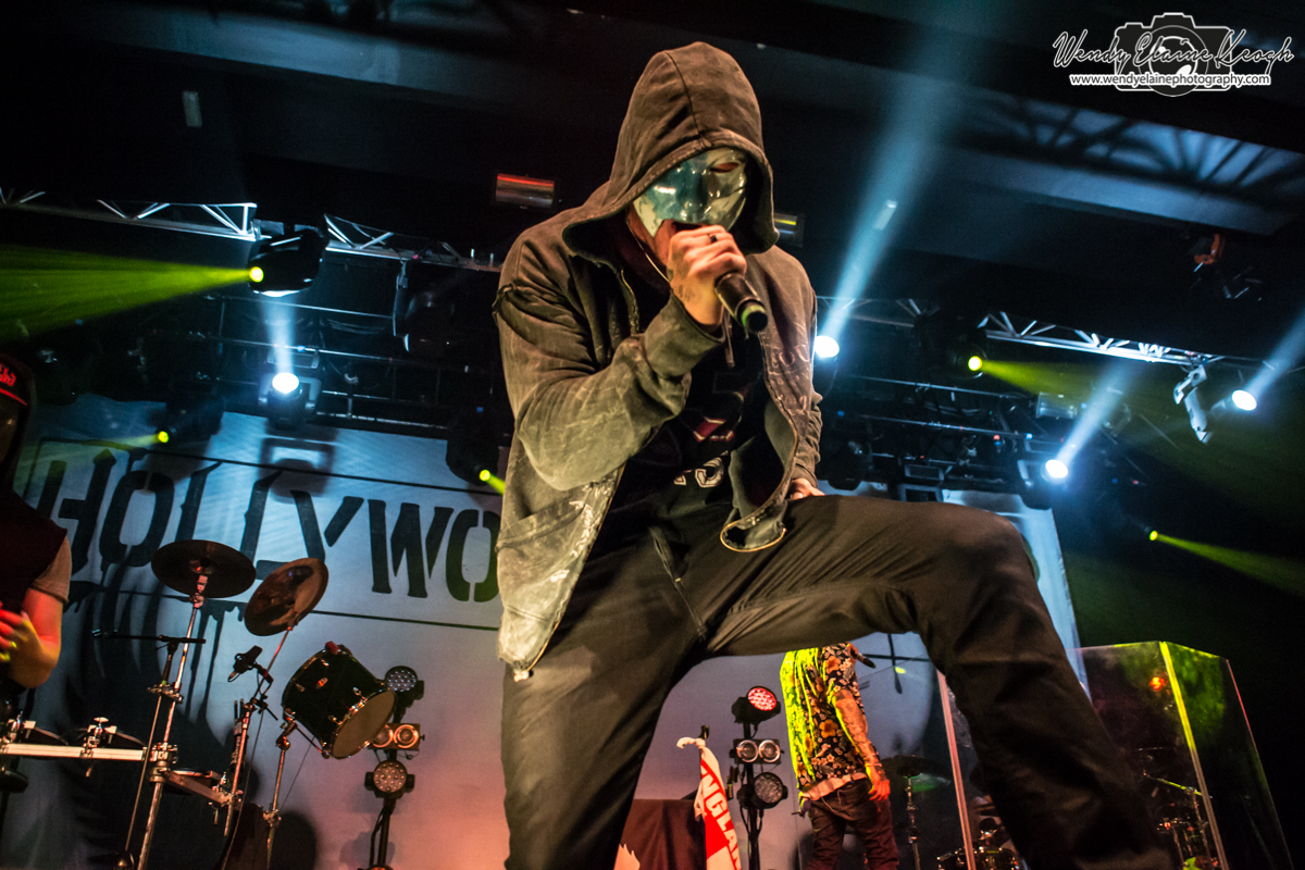 HollywoodUndead-05