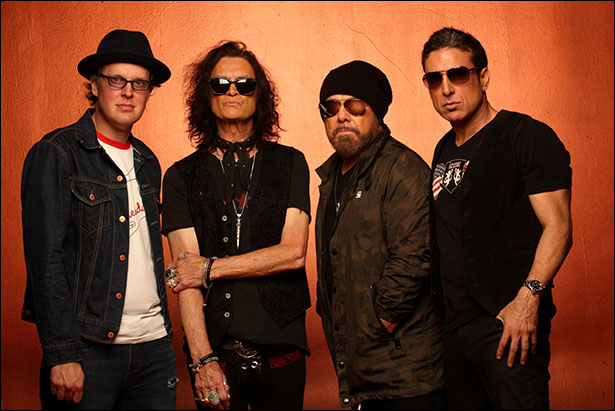 Black_Country_Communion_by-Neil_Zlozower.jpg