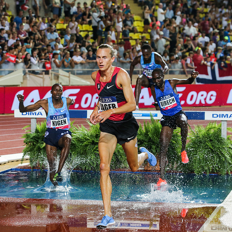 Evan on his way to his first Diamond League win in Monaco, 2017.
