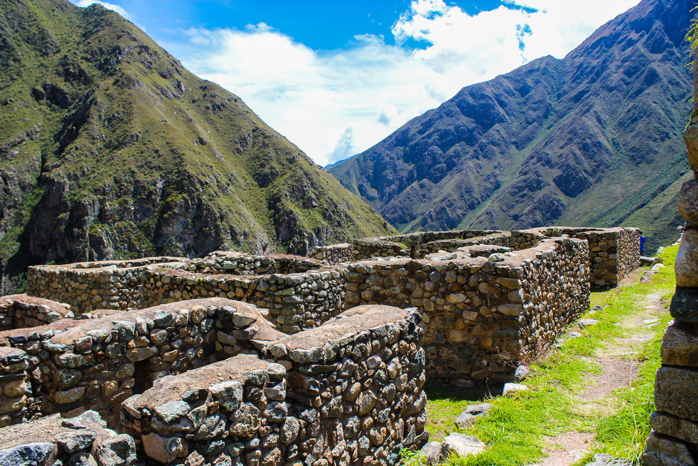 Incan ruins.jpg