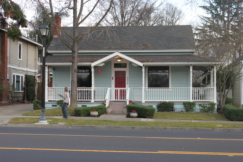 4456 First Street, Pleasanton, a typical late 19th century side gable vernacular housing form