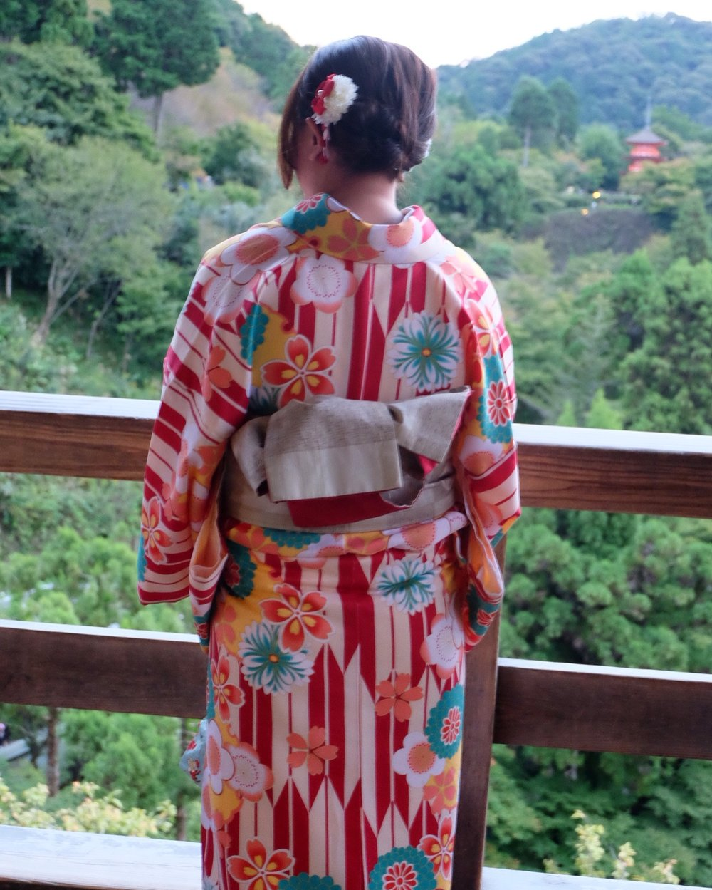 Women in colorful kimonos at  Kiyomizu-Dera
