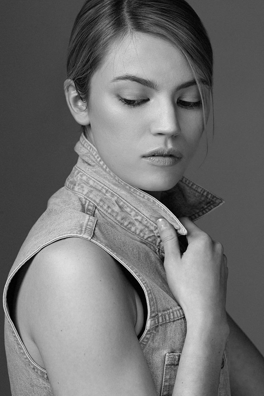 Hannah-McKechnie-By-Chris-Carroll-(210).jpeg