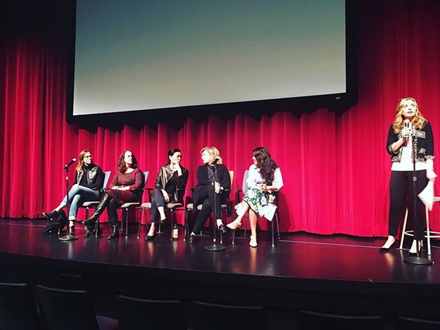Who are the inspiring female leaders in YOUR community? This photo is from a screening of The Empowerment Project in Seattle this week at University Prep with a panel of amazing women speaking afterwards about their own experiences. You can bring this film and educational event toolkit to your community anytime and honor the women you admire whose stories are worth sharing! Go to empowermentproject.com for details, #linkinbio #empowermentproject #empoweredwomen #badasswomen #womenintech #womeninstem #womeninfilm #documentary
