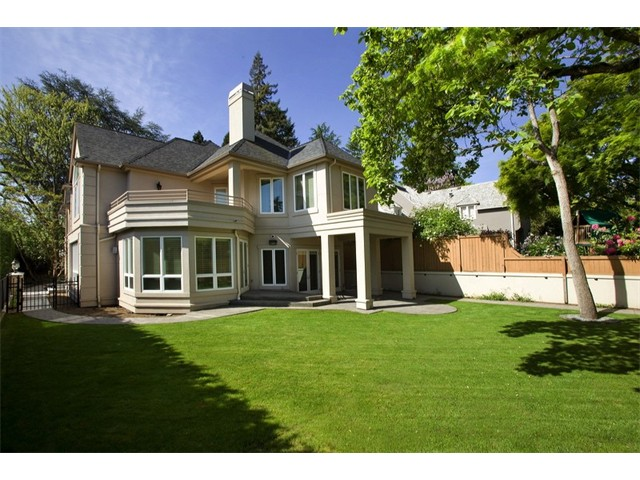 $1,560,000 | 1800 Blenheim Dr E, Seattle 98112