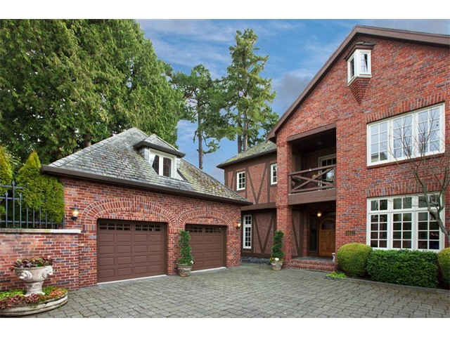 $1,272,500 | 6612 Lake Washington Blvd NE, Kirkland 98033