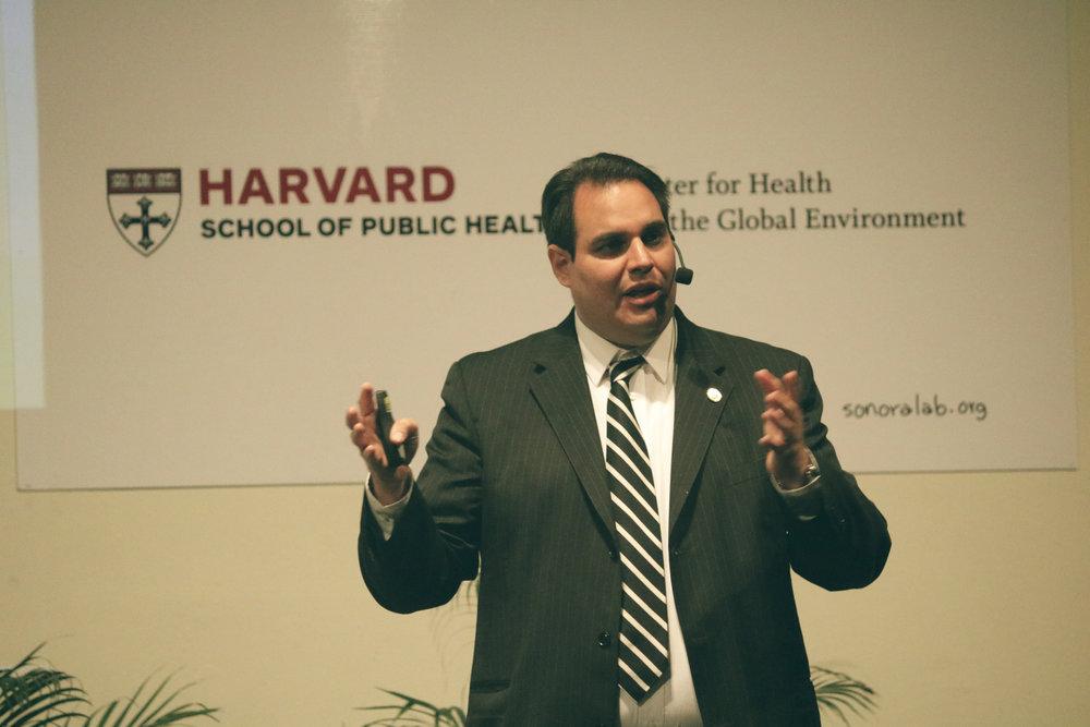 Dr. Ramón Sánchez, Universidad de Harvard.