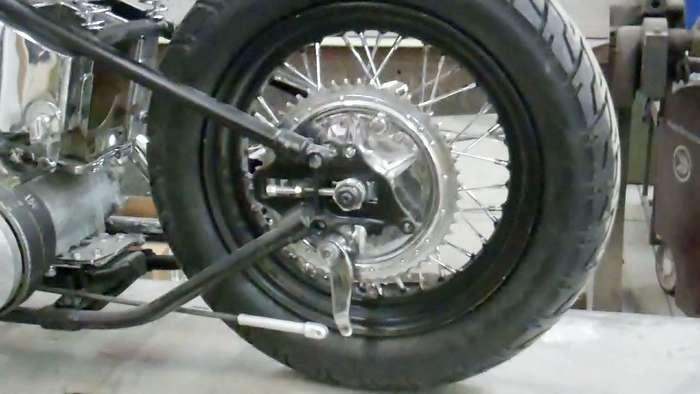 1947-harley-knucklehead-bobber-hot-rod031413060602VID01921.jpg