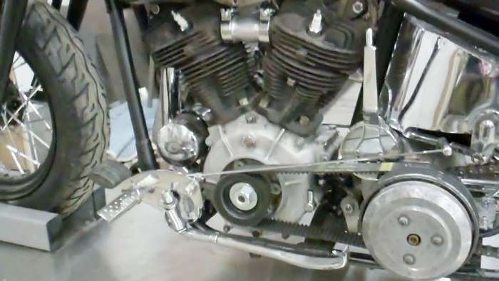1947-harley-knucklehead-bobber-hot-rod031813053001VID01953.jpg