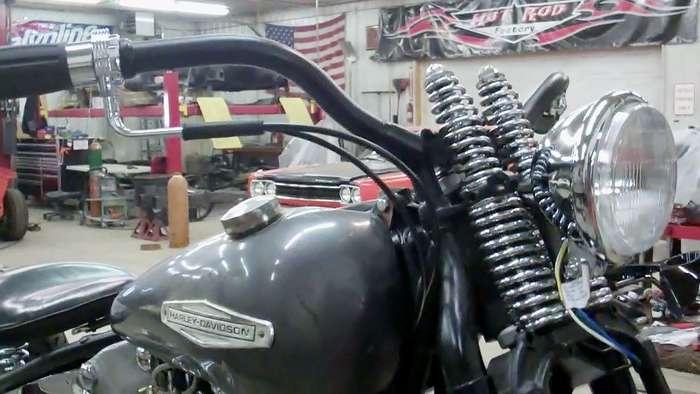 1947-harley-knucklehead-bobber-hot-rod031813053033VID01951.jpg