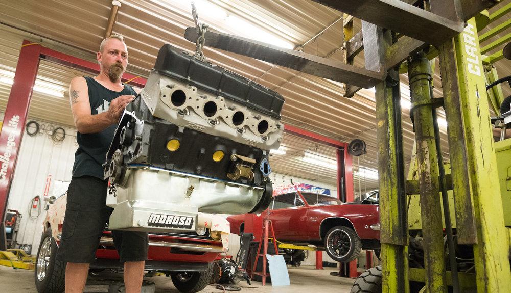 Minnesota Hot Rod Factory Chevrolet Engine Removal