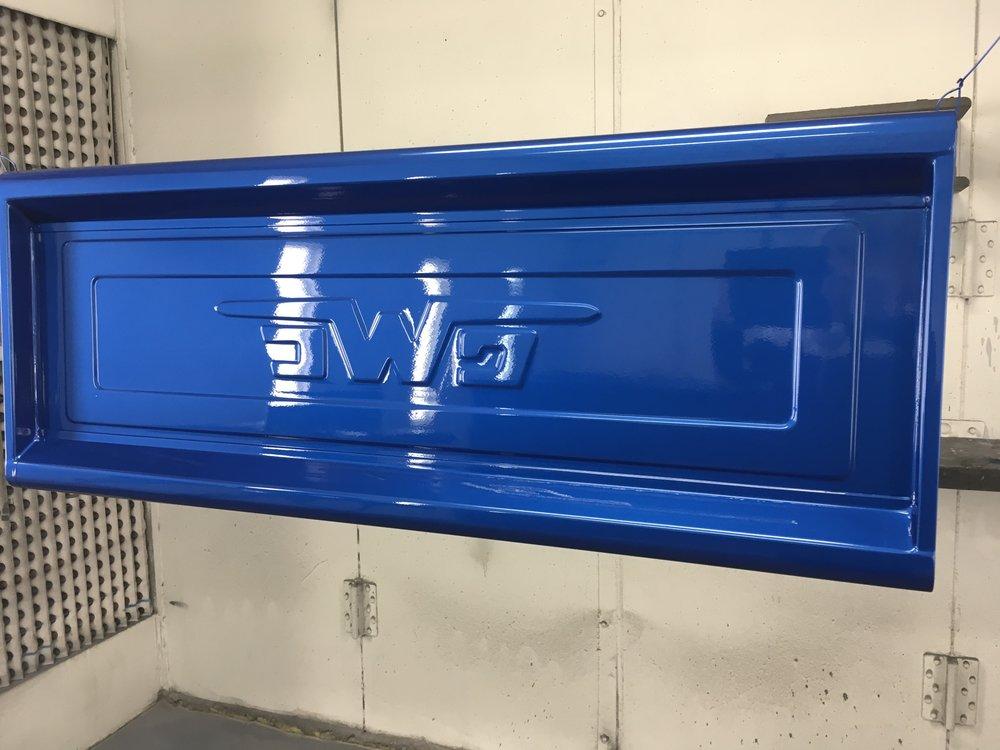 1957-GMC-minneapolis-custom-build-hot-rod-restoration-blue-tailgate.jpg