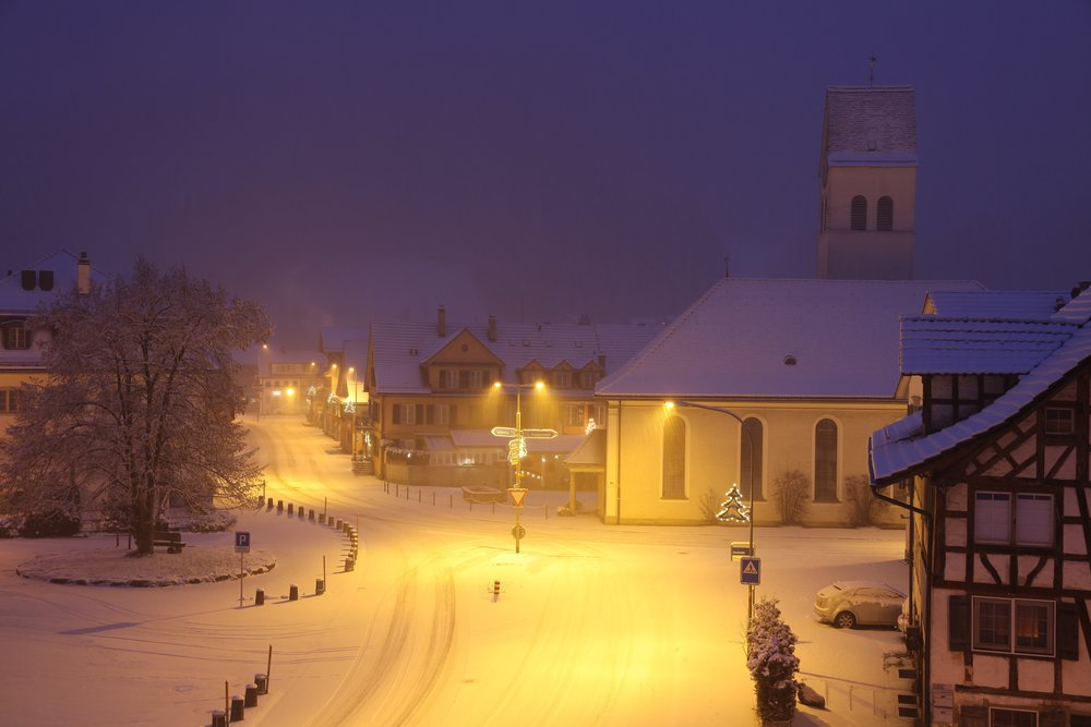 snow-romantic-village-snowy-161254.jpeg