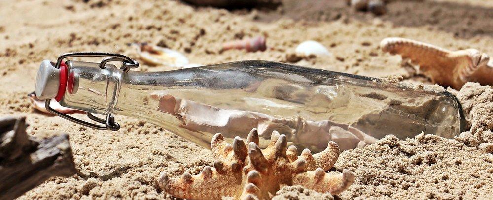9.Une Bouteille - A bottle     -