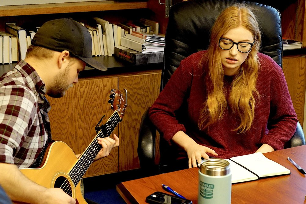 MØNIQUE songwriting with a student from MTSU.