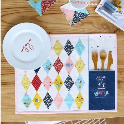 Fabric is Dear Diary; Place mat pattern by Ayda @cafenohut