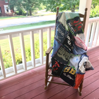 The Ultimate Guide to Tshirt Quilts by HollyAnne Knight of String & Story