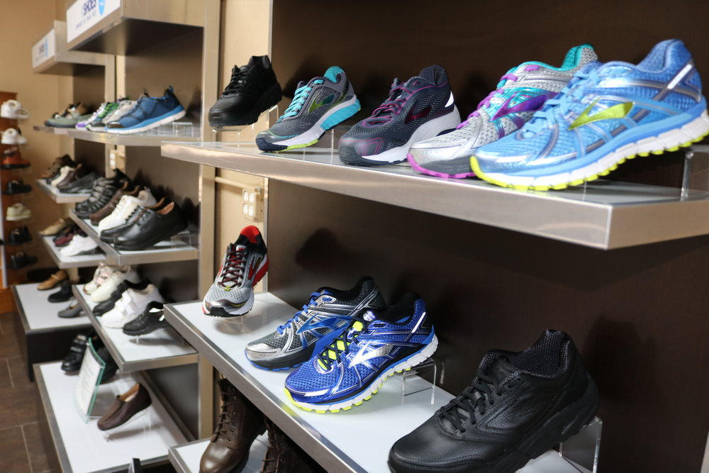 Ideal Shoes - Brooks Running Shoes