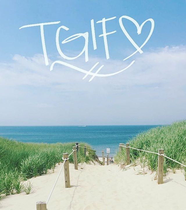There's nothing like the first Friday of Summer on Nantucket! ☀️We're open all weekend! Lots of cute clothes and new instructors! 💪🏻💕⚓️