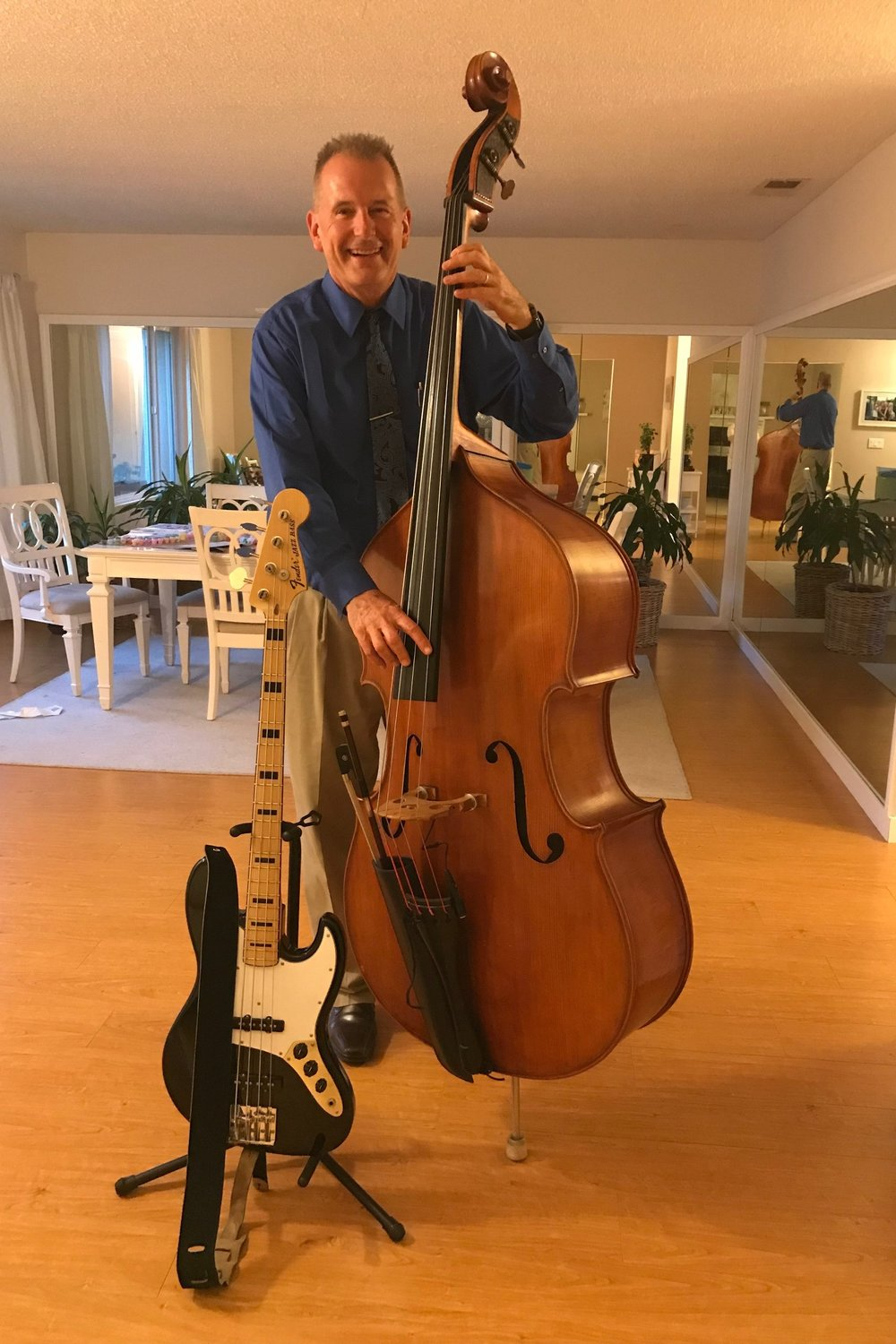 Roman Sirwinski - Upright bass and electric bass
