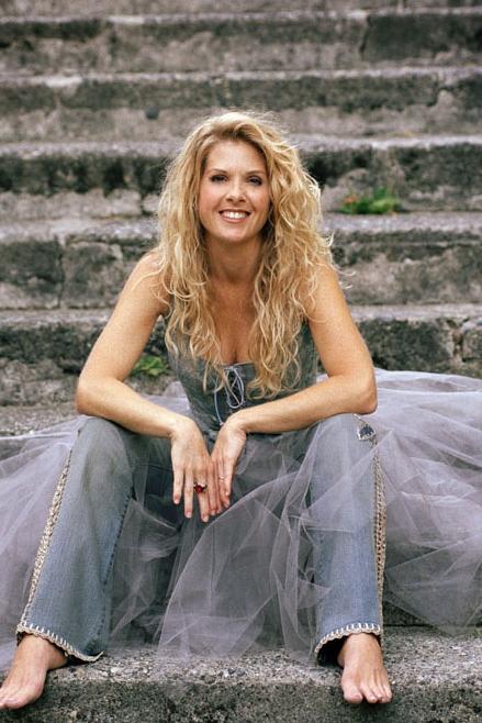 Karla Kelly - Singer