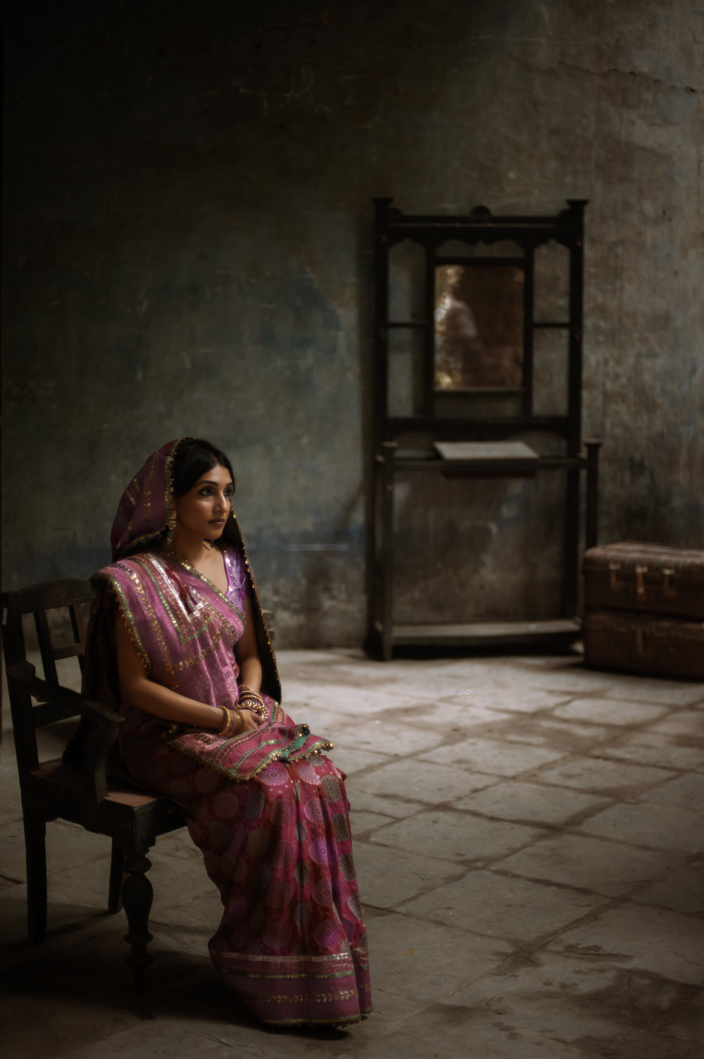 7_Chhandak Pradhan-fashion-Ruins and a Requiem-vintage_feudal_Indian_royal_portrait.jpg