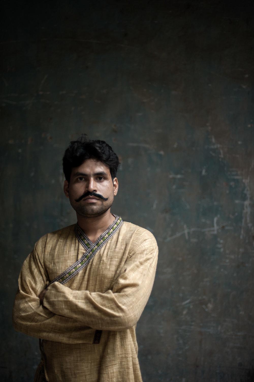 8_Chhandak Pradhan-fashion-Ruins and a Requiem-vintage_feudal_Indian_royal_portrait.jpg