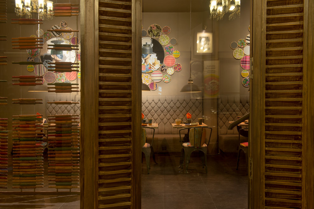 1_Chhandak Pradhan-spaces-Burnt Garlic-interior_architecture_restaurant_Calcutta.jpg