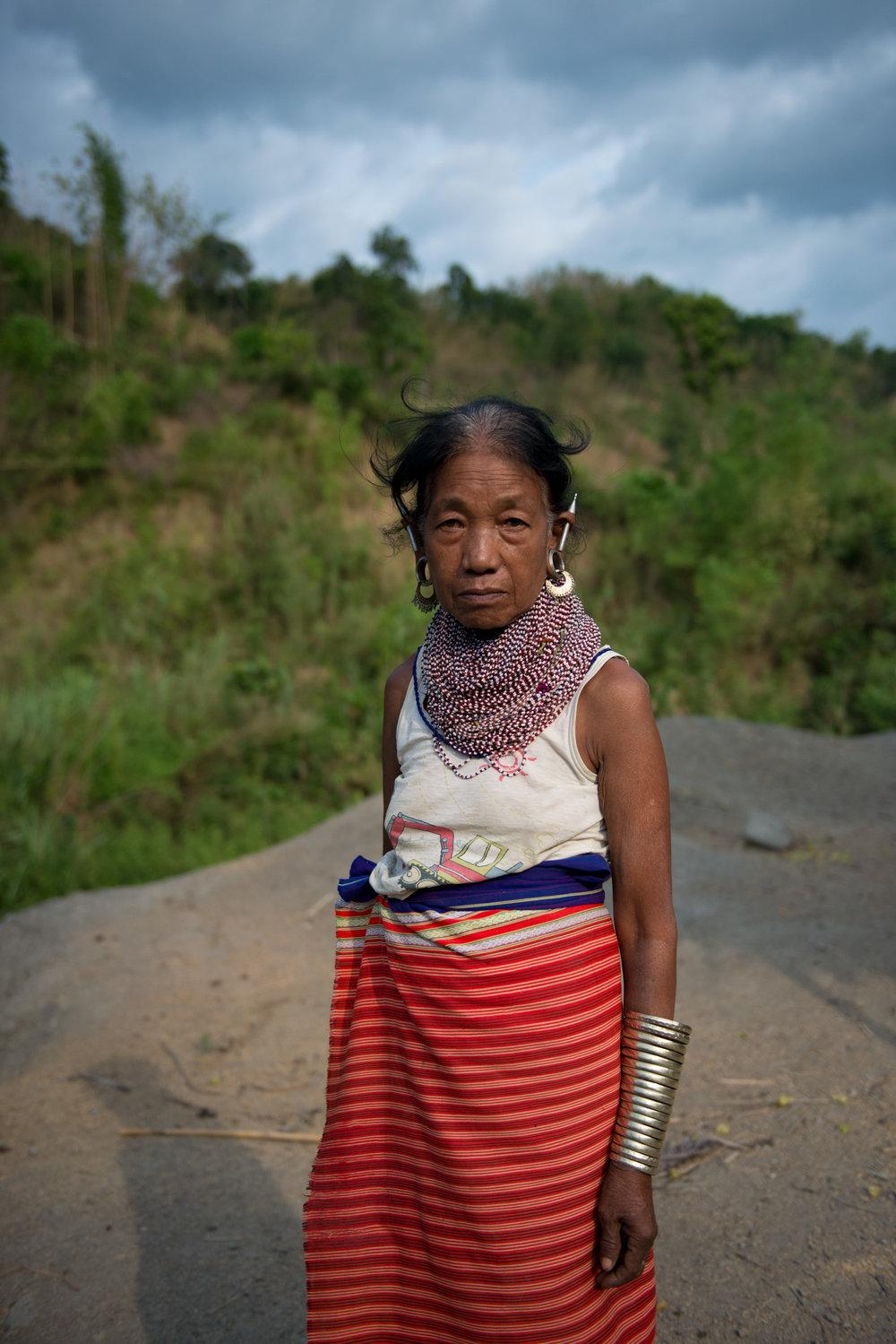 11_Chhandak Pradhan-Reportage-The_Promise_of_Asphalt-Border_road_NE India_Burma_Le Monde.jpg