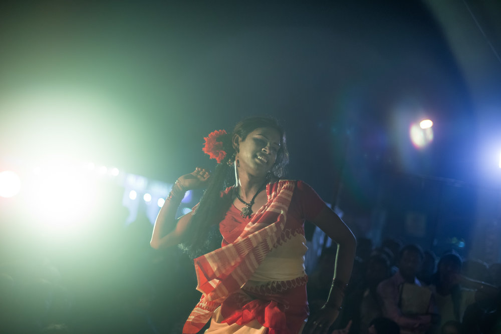 10_Chhandak Pradhan-reportage-Lipstick Men-transgender_dancer_India_Calcutta.jpg
