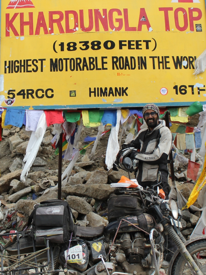 #Southpaw, my Royal Enfield Std 350 and the Dirtsack Gypsy at Khardung La. the Highest Motorable Road in the World